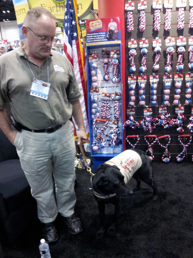 Its_a_Lab_Thing_Americas_vetdogs_global_pet_expo_labradors008